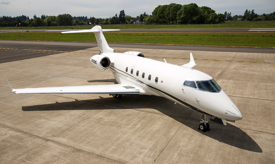 Challenger 300 at Global Aviation HIO